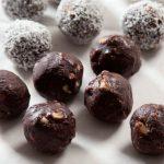 כדורי שוקולד, קקאו, טחינה, ביסקוויטים