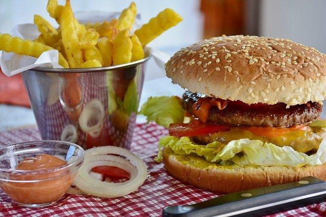 אוכל שמן, המבורגר, לא דיאטה